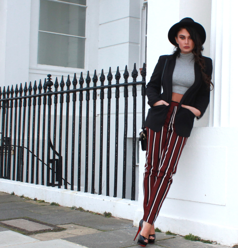 striped trousers full len2